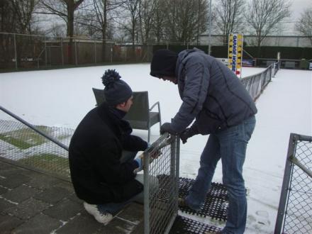 Danny had vier jassen nodig om warm te blijven
